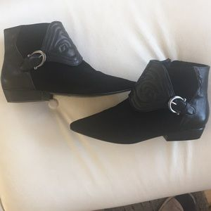 Zara woman leather booties size 8